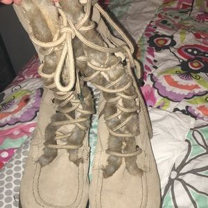 Report boots size 10